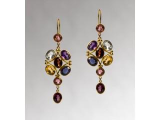 18 Karat Gold Stylish Drop Earrings